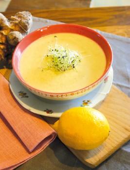 Topinambur-Zitronen-Suppe